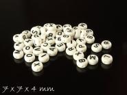 100 Stk. Perlen aus Acryl, 7 x 7 x 4 mm, zufällige Buchstabenwahl