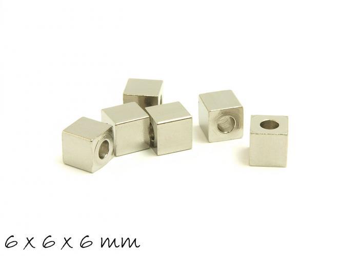 2 Stk. Edelstahl Würfel zum Stempeln, 6 x 6 x 6 mm Anhänger, Spacer